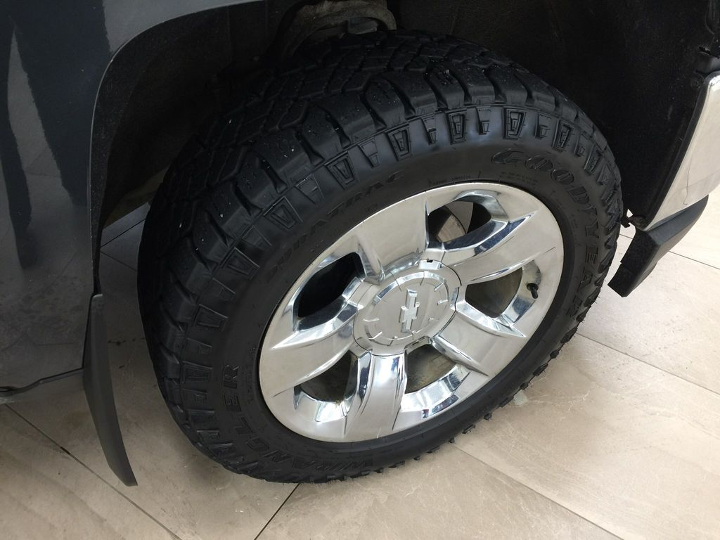 Blue[Deep Ocean Blue Metallic] 2018 Chevrolet Silverado 1500 Right Front Rim and Tire Photo in Sherwood Park AB