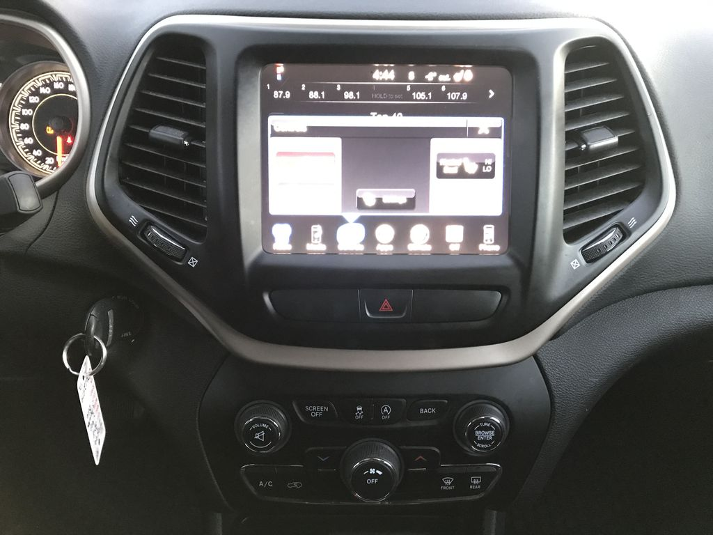 """Blue 2018 Jeep Cherokee North 4x4 *Heated Seats/Wheel* *Remote Start* *8.4"""" Touchscreen* Central Dash Options Photo in Brandon MB"""