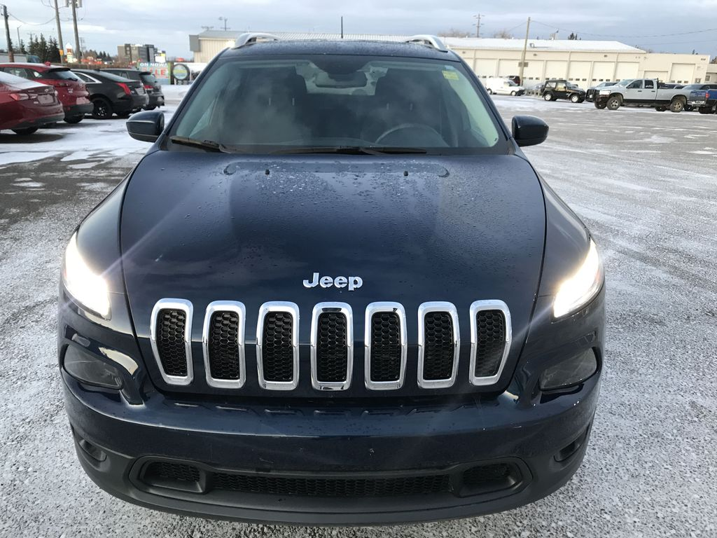 """Blue 2018 Jeep Cherokee North 4x4 *Heated Seats/Wheel* *Remote Start* *8.4"""" Touchscreen* Front Vehicle Photo in Brandon MB"""