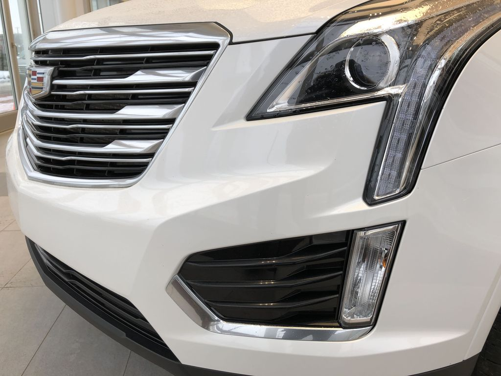 White[Crystal White Tricoat] 2019 Cadillac XT5 Left Front Head Light / Bumper and Grill in Edmonton AB