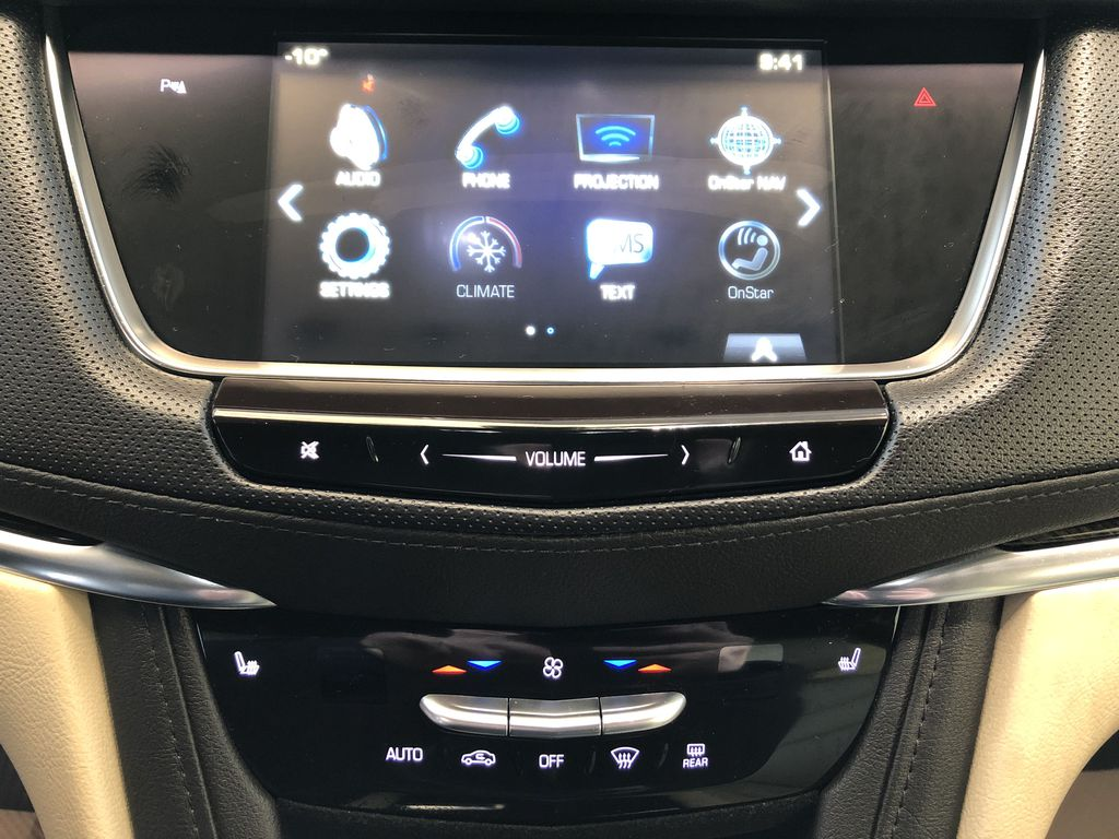 White[Crystal White Tricoat] 2019 Cadillac XT5 Central Dash Options Photo in Edmonton AB