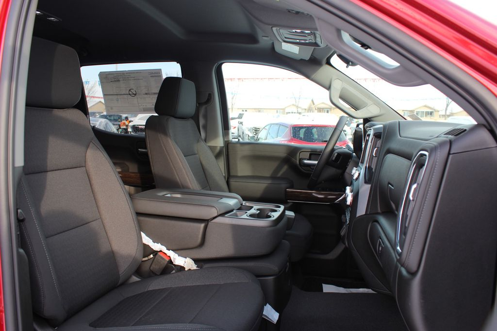 2021 GMC Sierra 1500 Left Rear Corner Photo in Medicine Hat AB