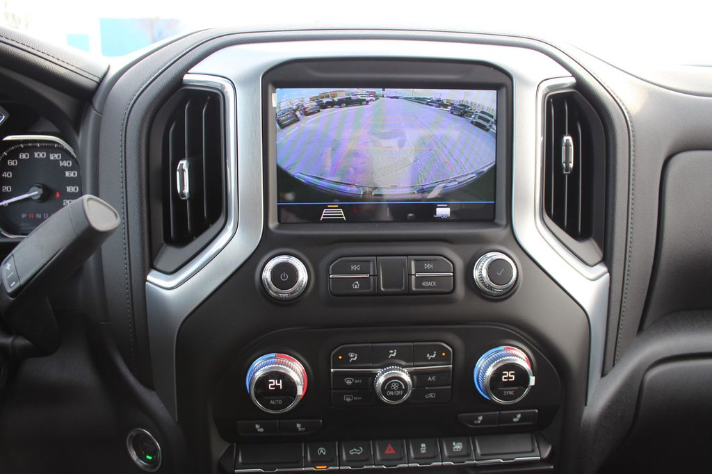 2021 GMC Sierra 1500 Radio Controls Closeup Photo in Medicine Hat AB