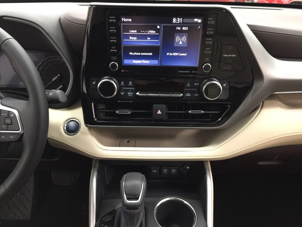 White[Blizzard Pearl] 2021 Toyota Highlander XLE Central Dash Options Photo in Sherwood Park AB
