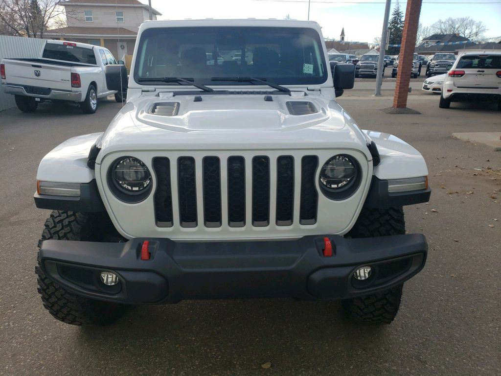 White 2021 Jeep Gladiator Left Front Corner Photo in Fort Macleod AB
