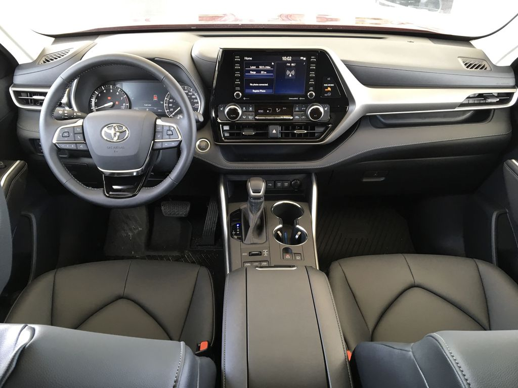 Red[Ruby Flare Pearl] 2020 Toyota Highlander XLE Main Interior Photo in Kelowna BC