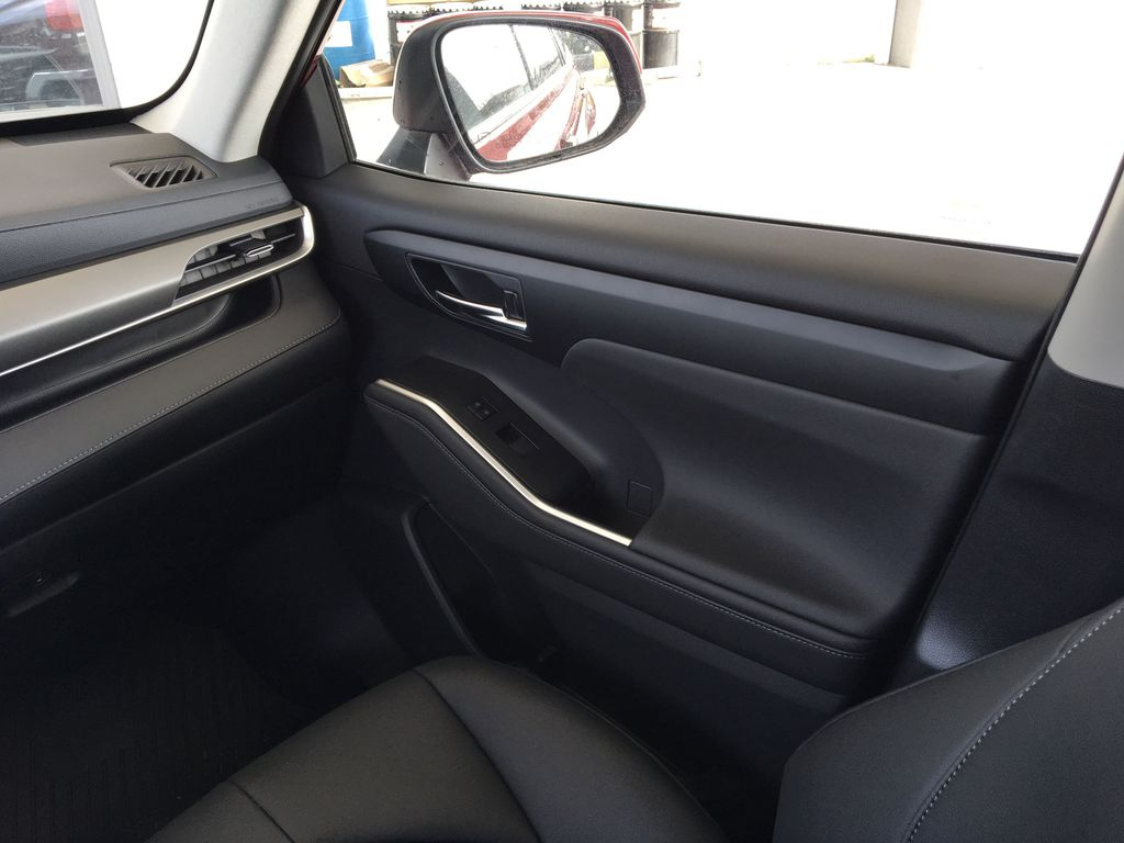 Red[Ruby Flare Pearl] 2020 Toyota Highlander XLE Right Front Interior Door Panel Photo in Kelowna BC