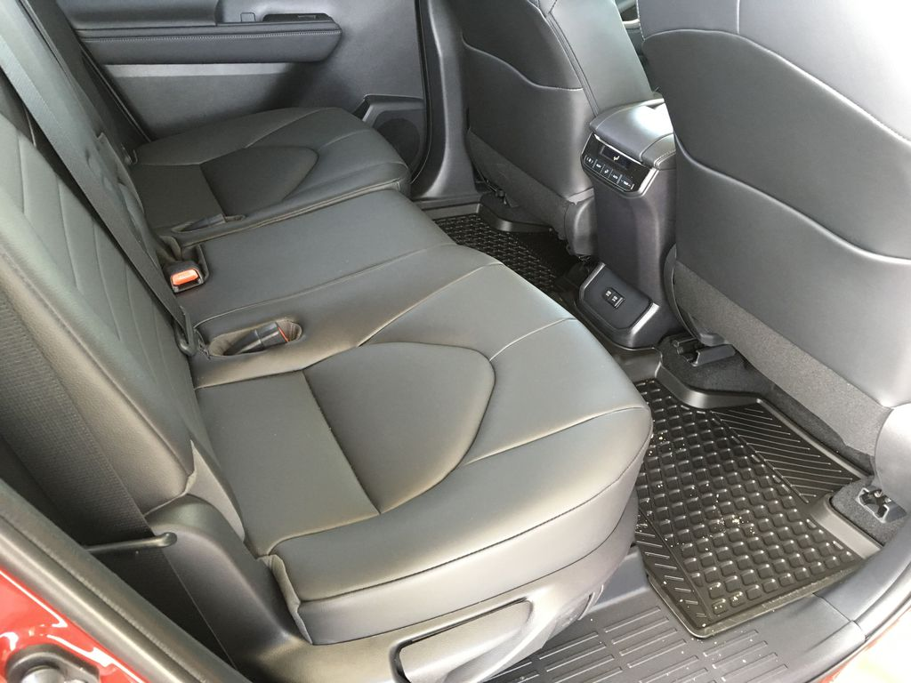 Red[Ruby Flare Pearl] 2020 Toyota Highlander XLE Left Side Rear Seat  Photo in Kelowna BC