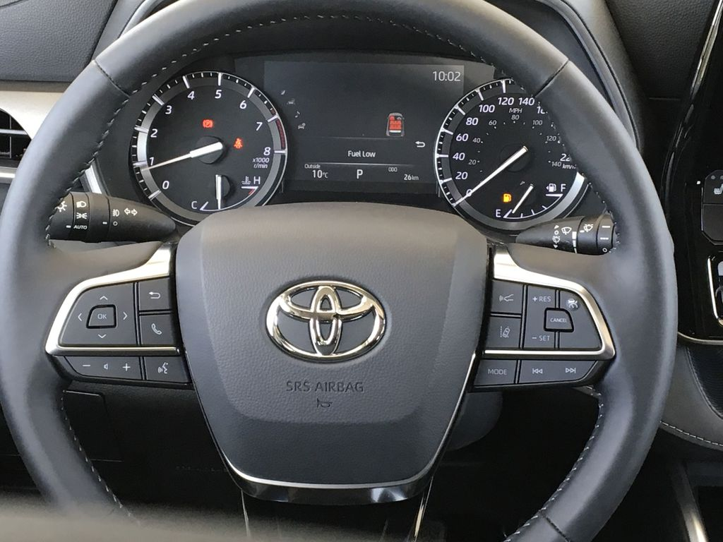 Red[Ruby Flare Pearl] 2020 Toyota Highlander XLE Odometer Photo in Kelowna BC