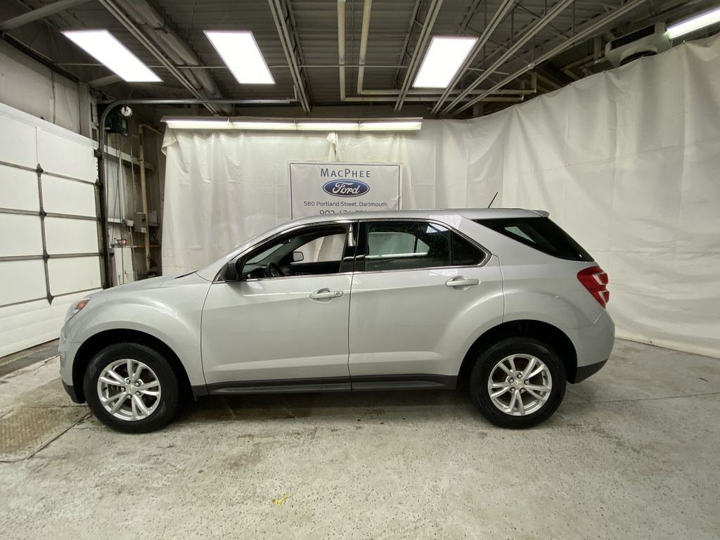 Silver[Silver Ice Metallic] 2017 Chevrolet Equinox Left Side Photo in Dartmouth NS