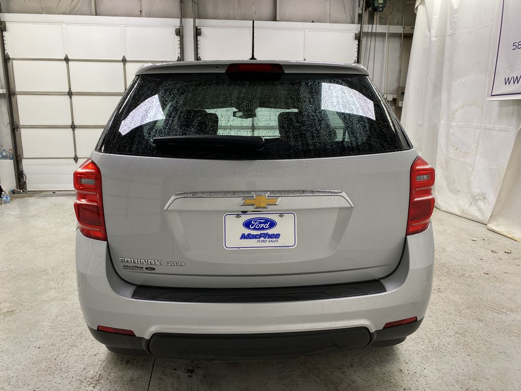 Silver[Silver Ice Metallic] 2017 Chevrolet Equinox Rear of Vehicle Photo in Dartmouth NS
