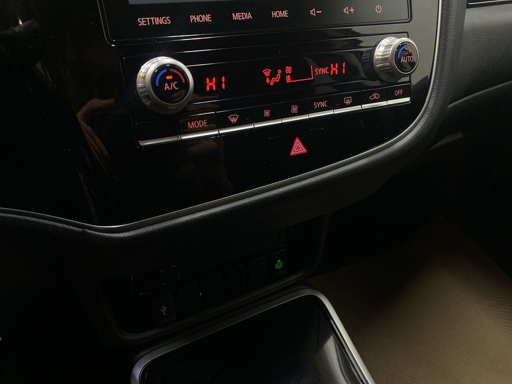 BLUE 2020 Mitsubishi Outlander ES - Backup Camera, Bluetooth, Heated Front Seats Central Dash Options Photo in Edmonton AB
