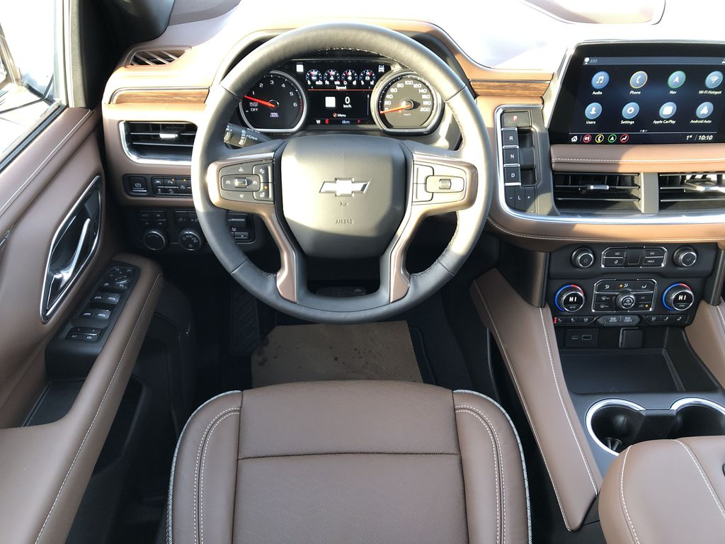 White[Iridescent Pearl Tricoat] 2021 Chevrolet Tahoe Strng Wheel/Dash Photo: Frm Rear in Edmonton AB