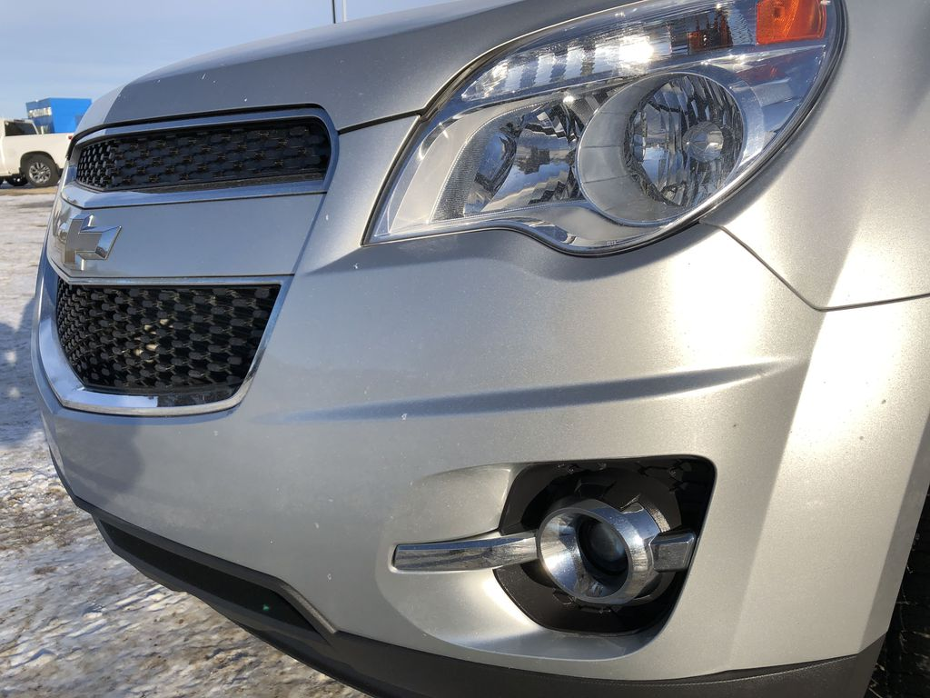 Silver[Silver Ice Metallic] 2015 Chevrolet Equinox Left Front Head Light / Bumper and Grill in Edmonton AB