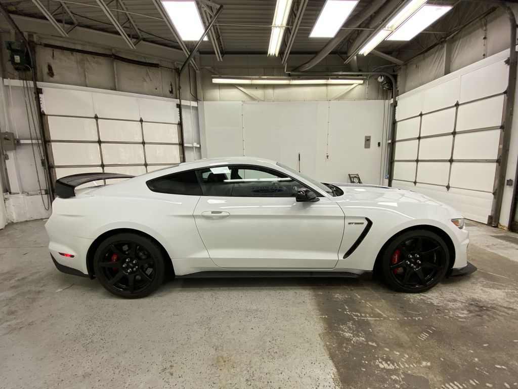 White[Oxford White] 2018 Ford Mustang Right Side Photo in Dartmouth NS