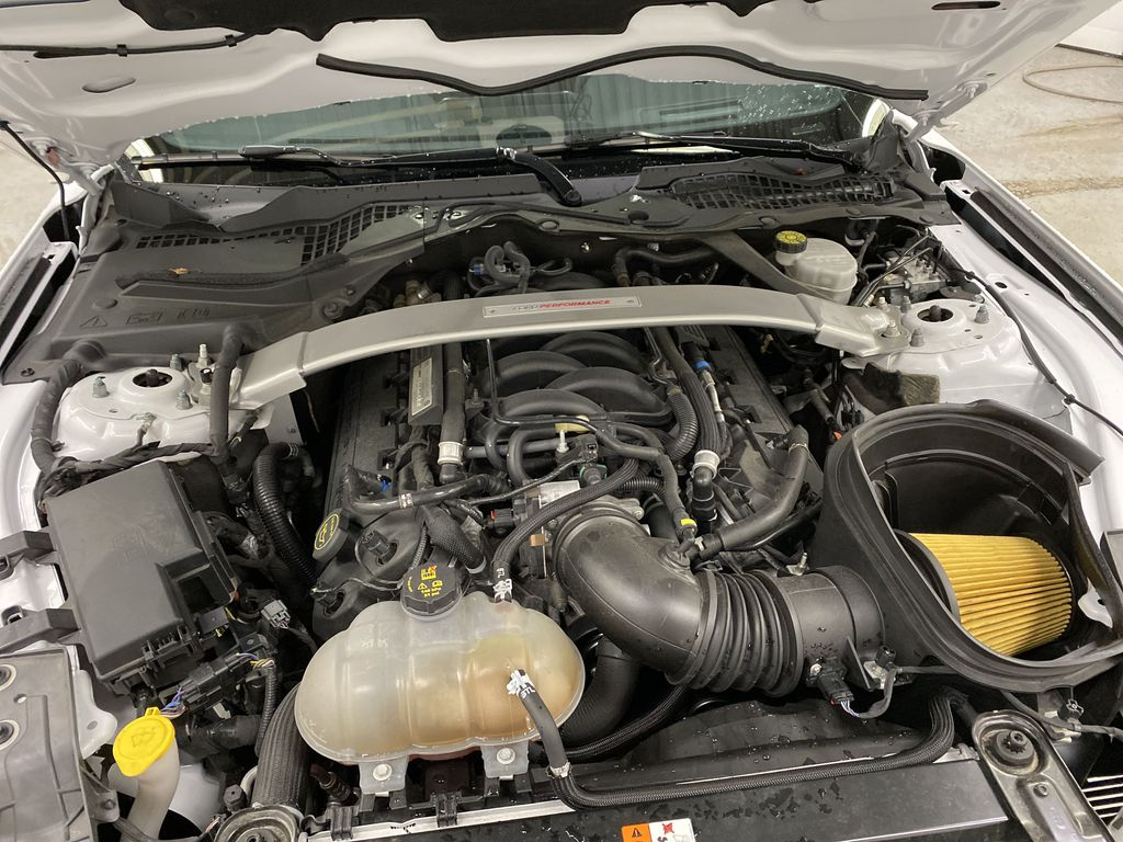 White[Oxford White] 2018 Ford Mustang Engine Compartment Photo in Dartmouth NS