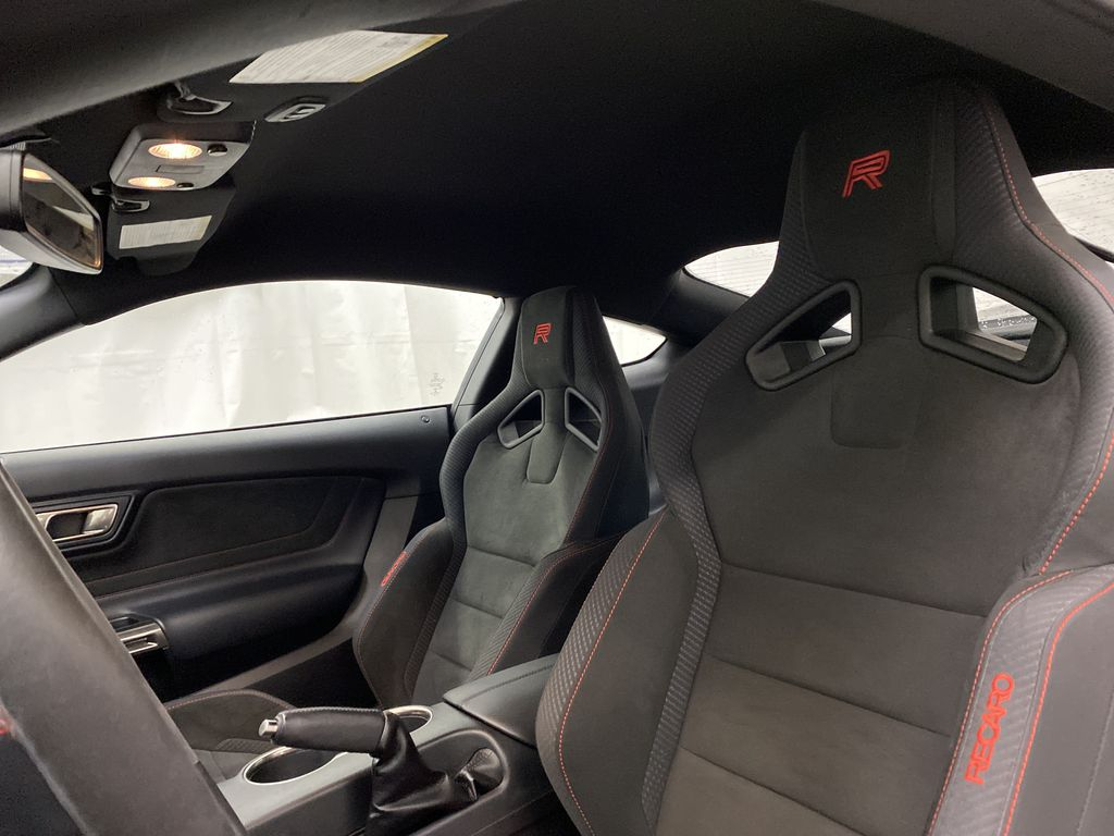 White[Oxford White] 2018 Ford Mustang Sunroof Photo in Dartmouth NS