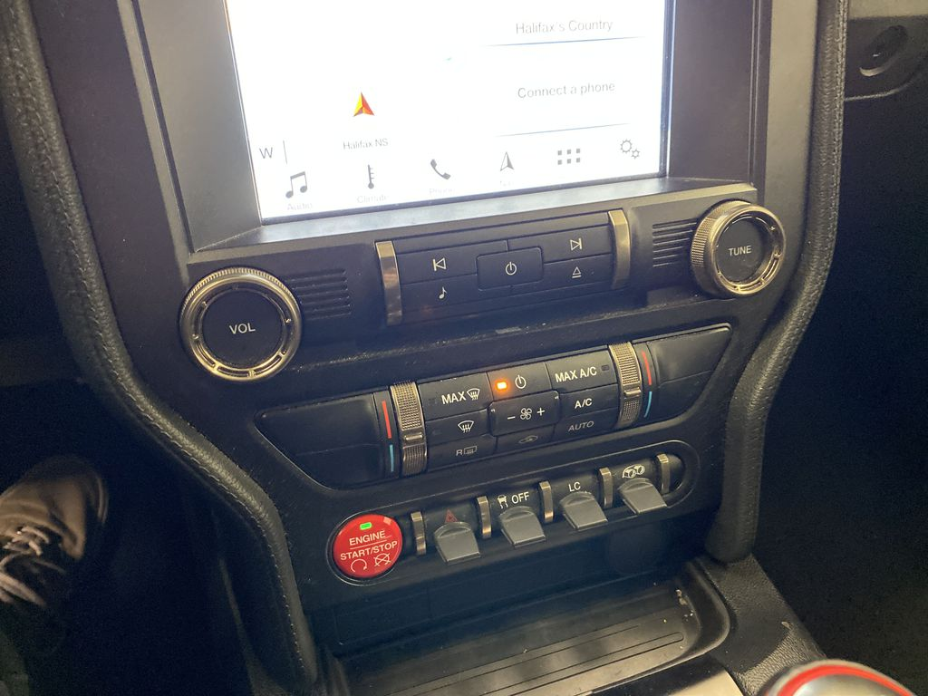 White[Oxford White] 2018 Ford Mustang Central Dash Options Photo in Dartmouth NS