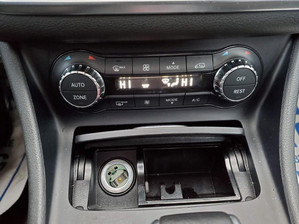 Black 2016 Mercedes-Benz GLA Steering Wheel and Dash Photo in Airdrie AB
