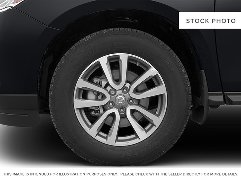 2013 Nissan Pathfinder Left Front Rim and Tire Photo in Barrhead AB