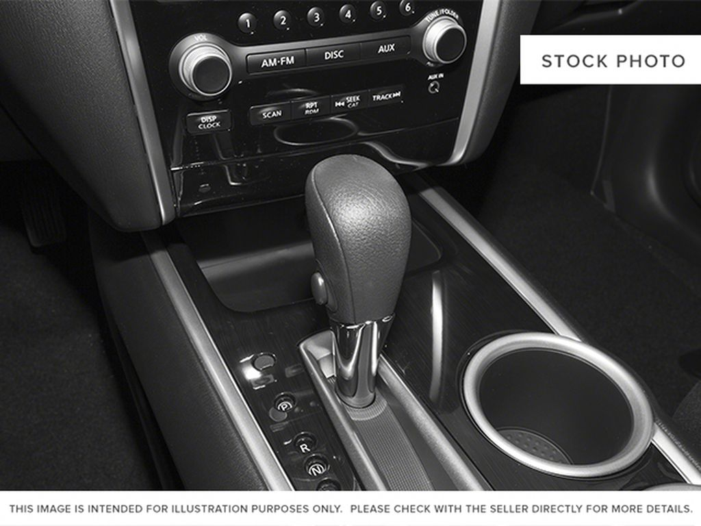2013 Nissan Pathfinder Center Console Photo in Barrhead AB