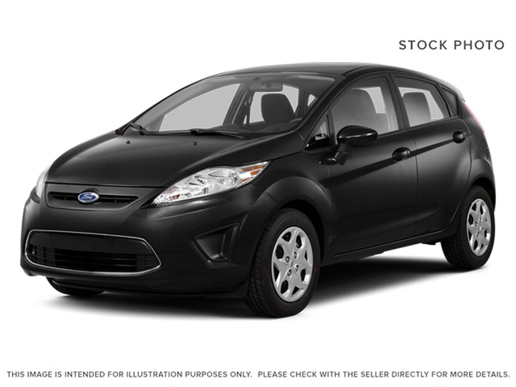 Black[Tuxedo Black Metallic] 2013 Ford Fiesta