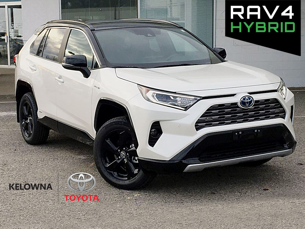 White[Blizzard Pearl w/Black Roof] 2021 Toyota RAV4 XLE Technology Package