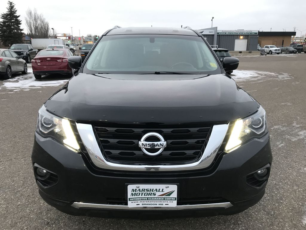 Black[Magnetic Black Metallic] 2017 Nissan Pathfinder 4WD 4dr SV *Heated Seats* *7-Pass* *Bluetooth* Front Vehicle Photo in Brandon MB