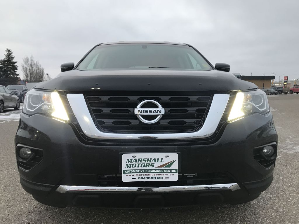 Black[Magnetic Black Metallic] 2017 Nissan Pathfinder 4WD 4dr SV *Heated Seats* *7-Pass* *Bluetooth* Left Front Head Light / Bumper and Grill in Brandon MB