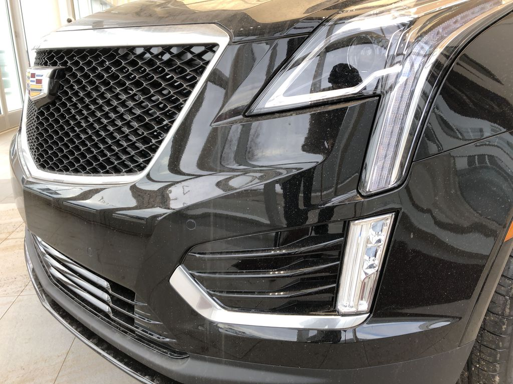 Black[Stellar Black Metallic] 2021 Cadillac XT5 Left Front Head Light / Bumper and Grill in Edmonton AB