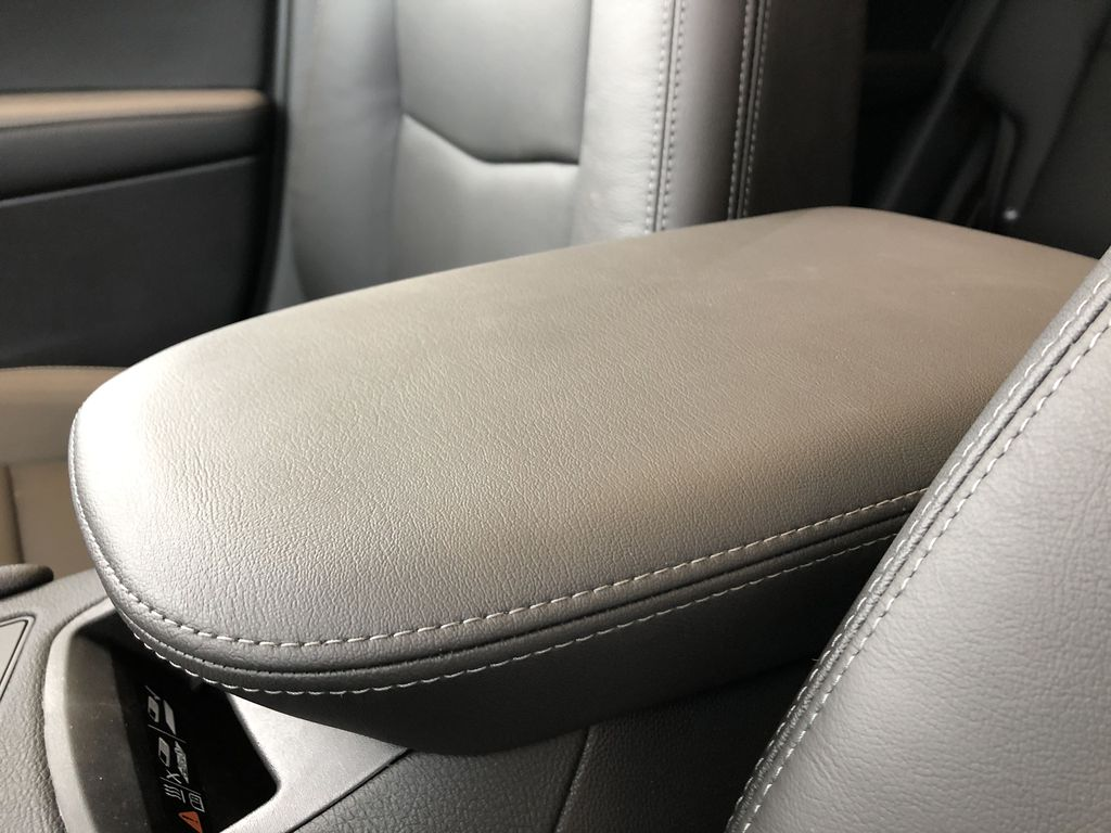 Black[Stellar Black Metallic] 2021 Cadillac XT5 Center Console Photo in Edmonton AB