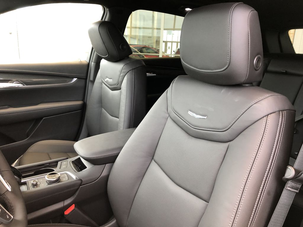 Black[Stellar Black Metallic] 2021 Cadillac XT5 Left Front Interior Photo in Edmonton AB