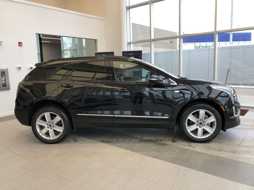 Black[Stellar Black Metallic] 2021 Cadillac XT5 Right Side Photo in Edmonton AB