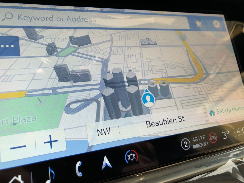 Black[Stellar Black Metallic] 2021 Cadillac XT5 Navigation Screen Closeup Photo in Edmonton AB