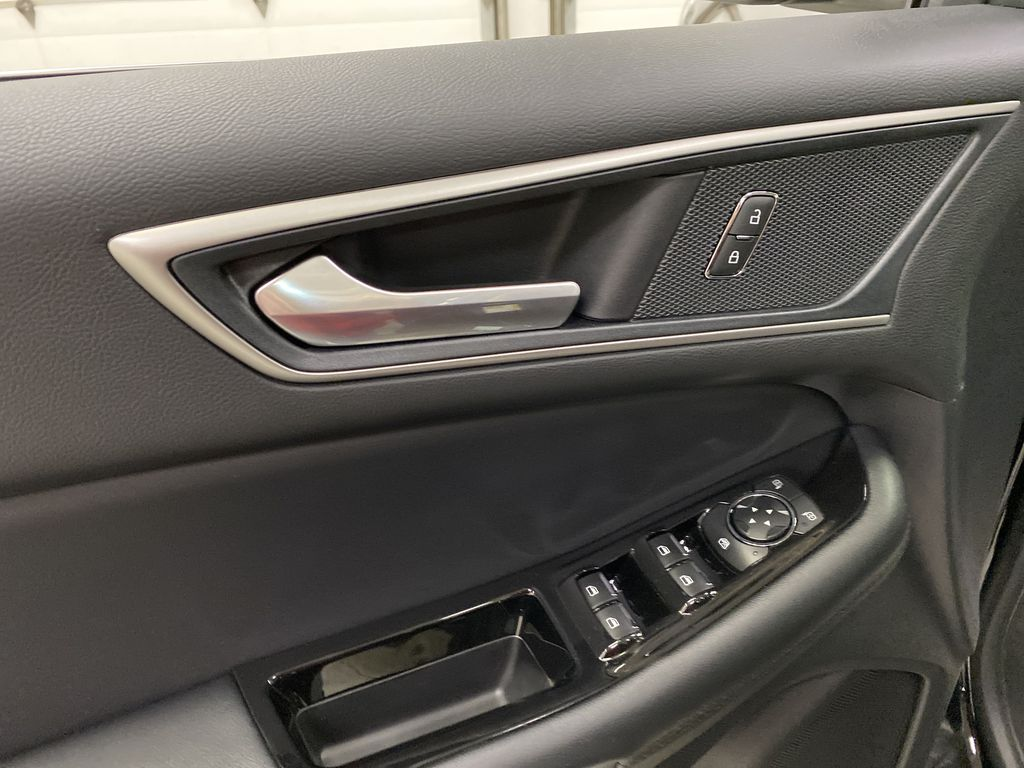 Black[Agate Black] 2020 Ford Edge  Driver's Side Door Controls Photo in Dartmouth NS