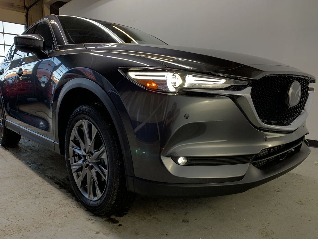 MACHINE GREY METALLIC(46G) 2021 Mazda CX-5 Signature AWD Right Front Corner Photo in Edmonton AB