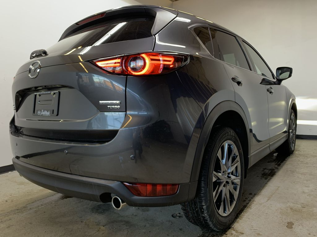 MACHINE GREY METALLIC(46G) 2021 Mazda CX-5 Signature AWD Right Rear Corner Photo in Edmonton AB