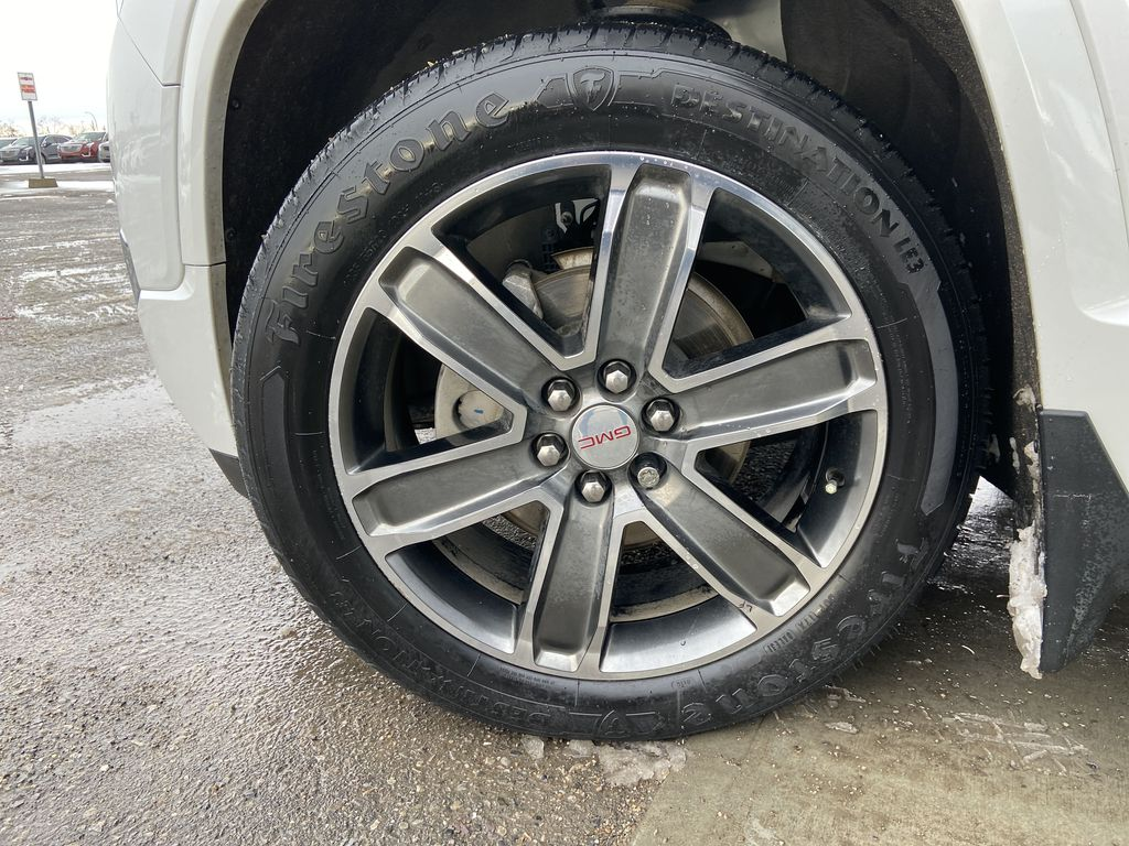 White[White Frost Tricoat] 2017 GMC Acadia Denali Left Front Rim and Tire Photo in Calgary AB