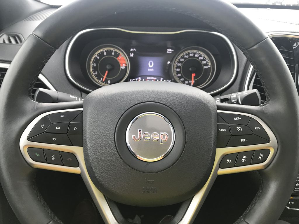 Black 2019 Jeep Cherokee High Altitude 4x4 *Heated/Cooled Seats*Bluetooth*Back-up Cam* Additional Photo in Brandon MB
