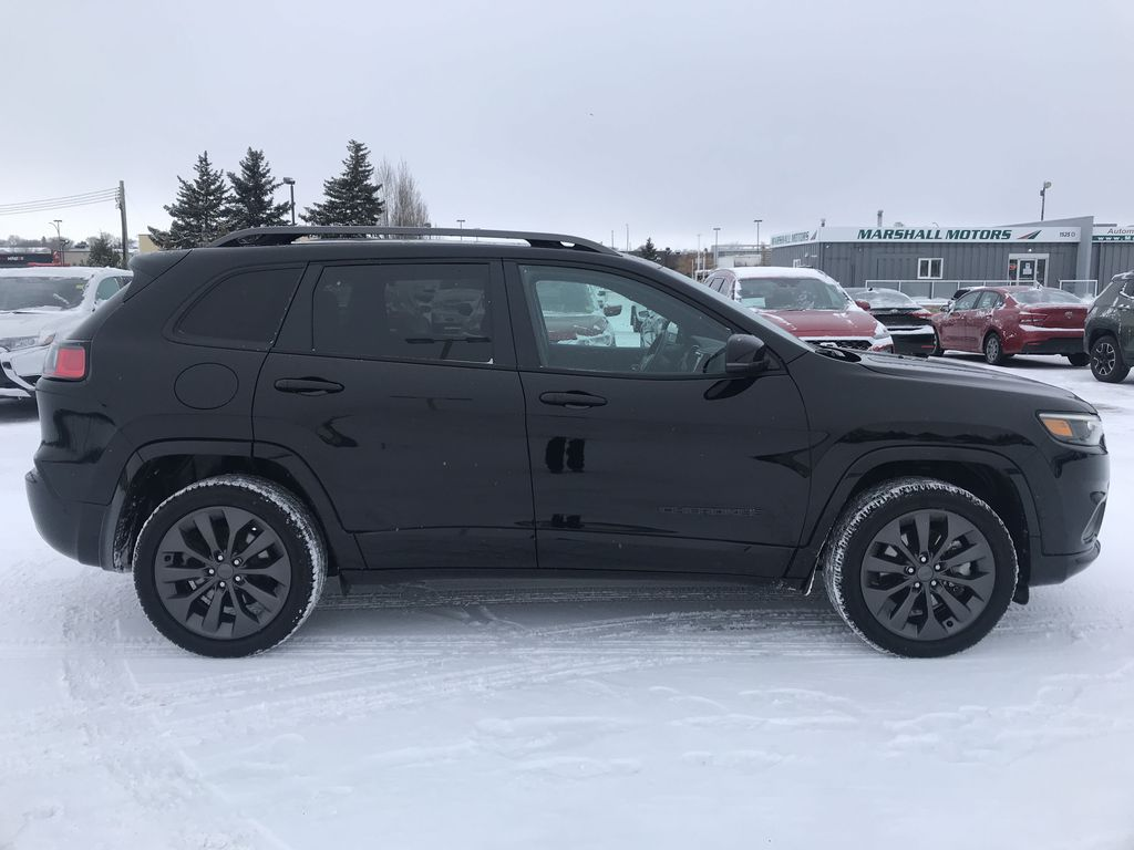 Black 2019 Jeep Cherokee High Altitude 4x4 *Heated/Cooled Seats*Bluetooth*Back-up Cam* Right Side Photo in Brandon MB