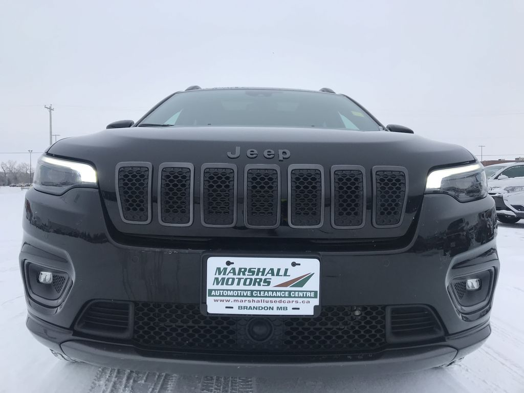 Black 2019 Jeep Cherokee High Altitude 4x4 *Heated/Cooled Seats*Bluetooth*Back-up Cam* Left Front Head Light / Bumper and Grill in Brandon MB