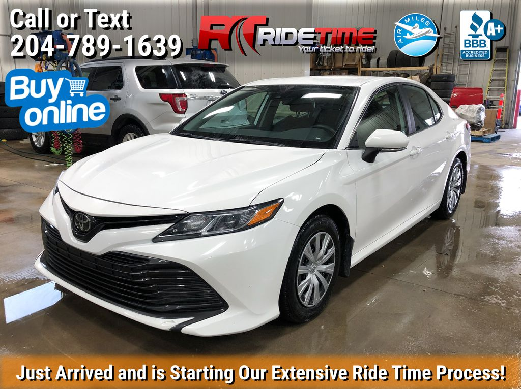 White[Super White] 2019 Toyota Camry LE - Bluetooth, Backup Camera, HUGE VALUE