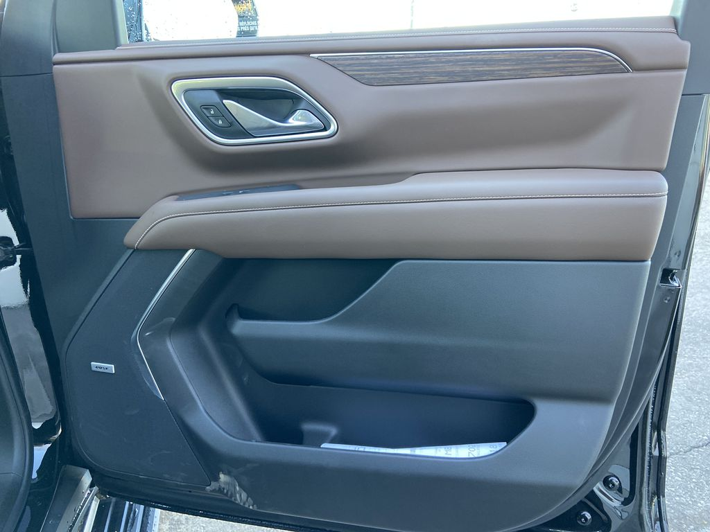 Black[Black] 2021 Chevrolet Tahoe High Country Right Front Interior Door Panel Photo in Calgary AB
