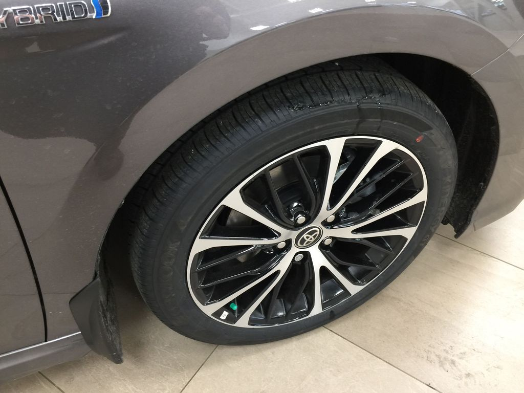 Gray[Pre-Dawn Grey Mica] 2020 Toyota Camry SE Hybrid Right Front Rim and Tire Photo in Sherwood Park AB