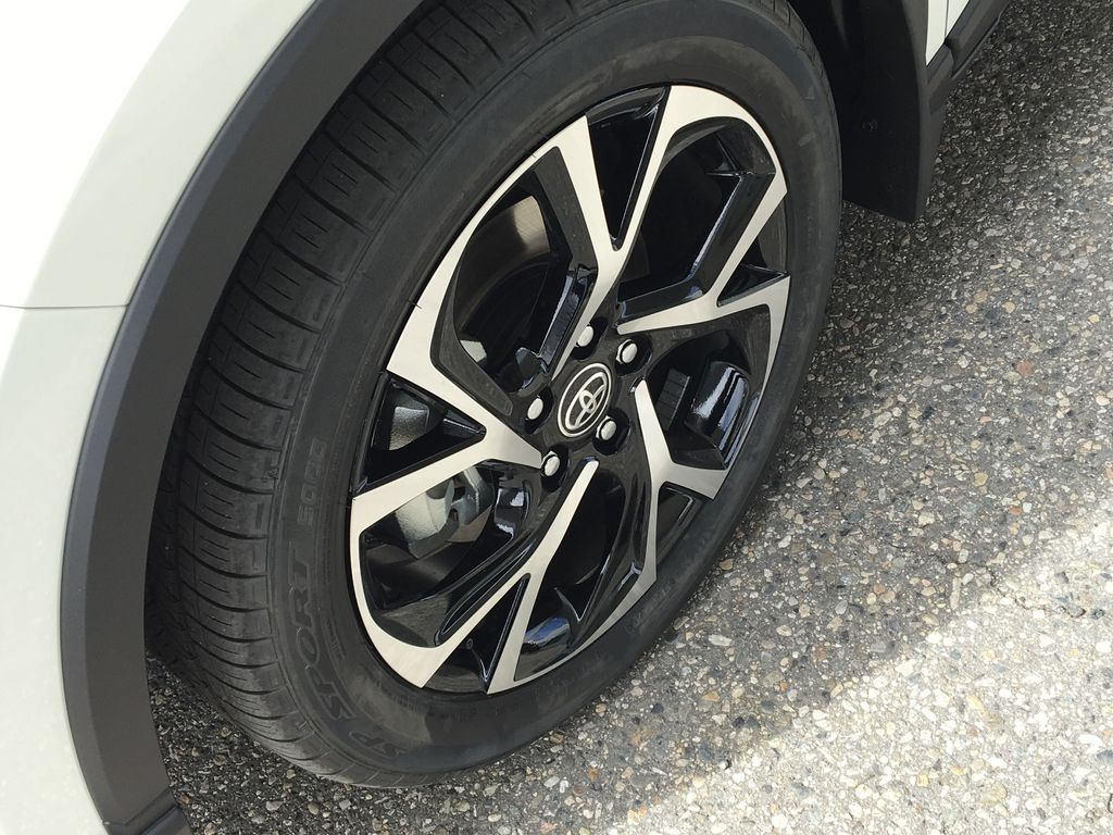 White[Blizzard Pearl] 2021 Toyota C-HR XLE Premium Left Front Rim and Tire Photo in Kelowna BC