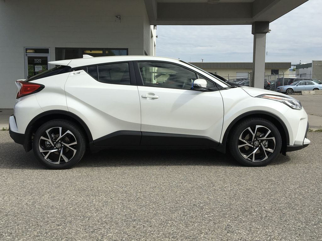 White[Blizzard Pearl] 2021 Toyota C-HR XLE Premium Right Side Photo in Kelowna BC