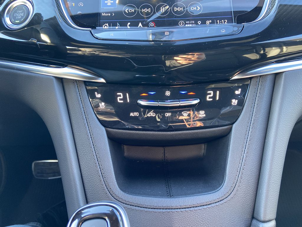 Black[Stellar Black Metallic] 2021 Cadillac XT6 Sport Central Dash Options Photo in Calgary AB