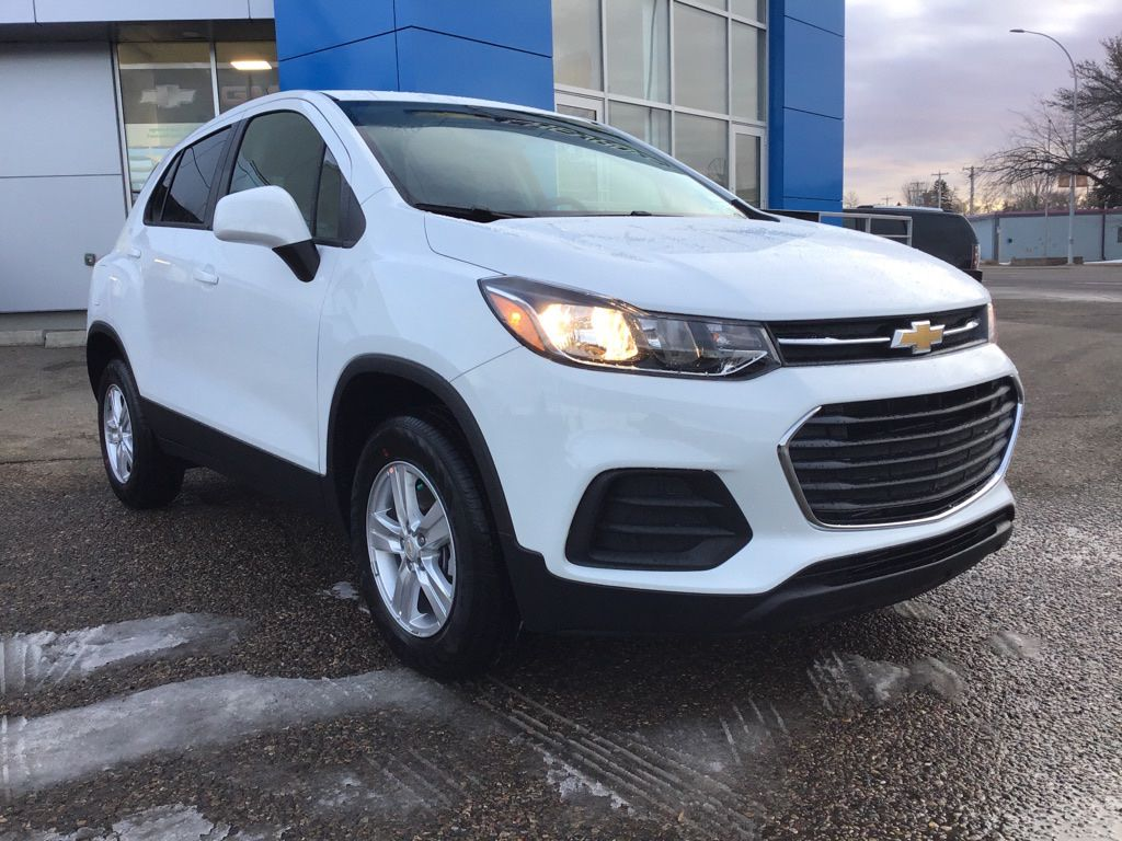White 2021 Chevrolet Trax Left Front Head Light / Bumper and Grill in Brooks AB