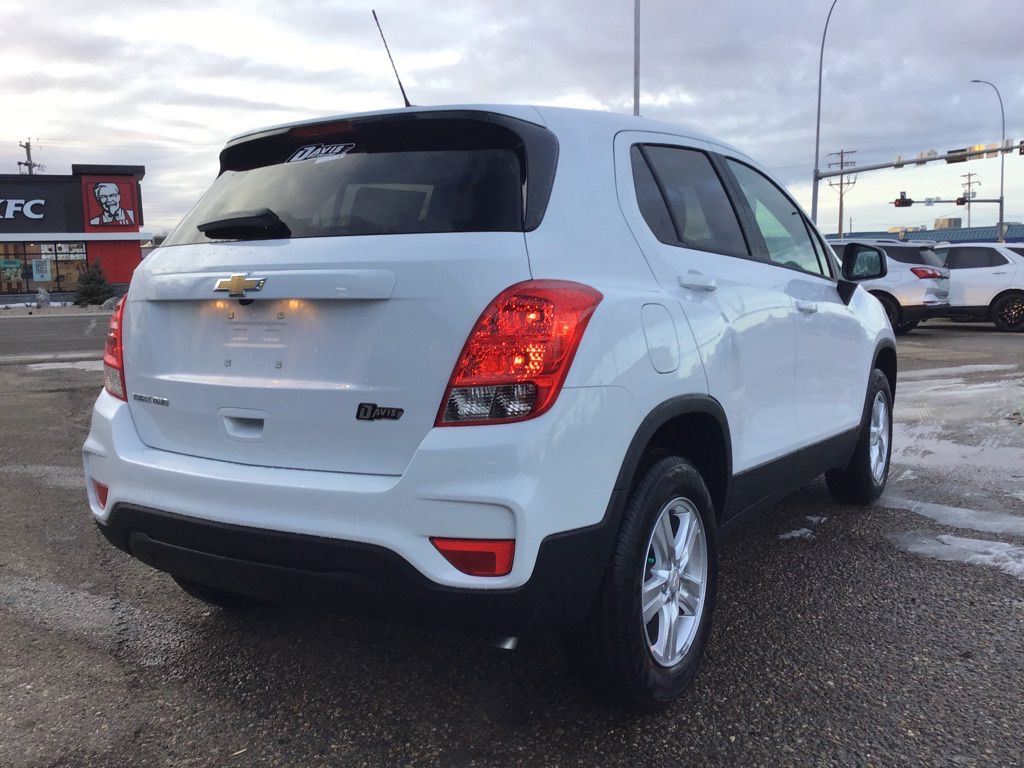 White 2021 Chevrolet Trax Left Front Interior Photo in Brooks AB