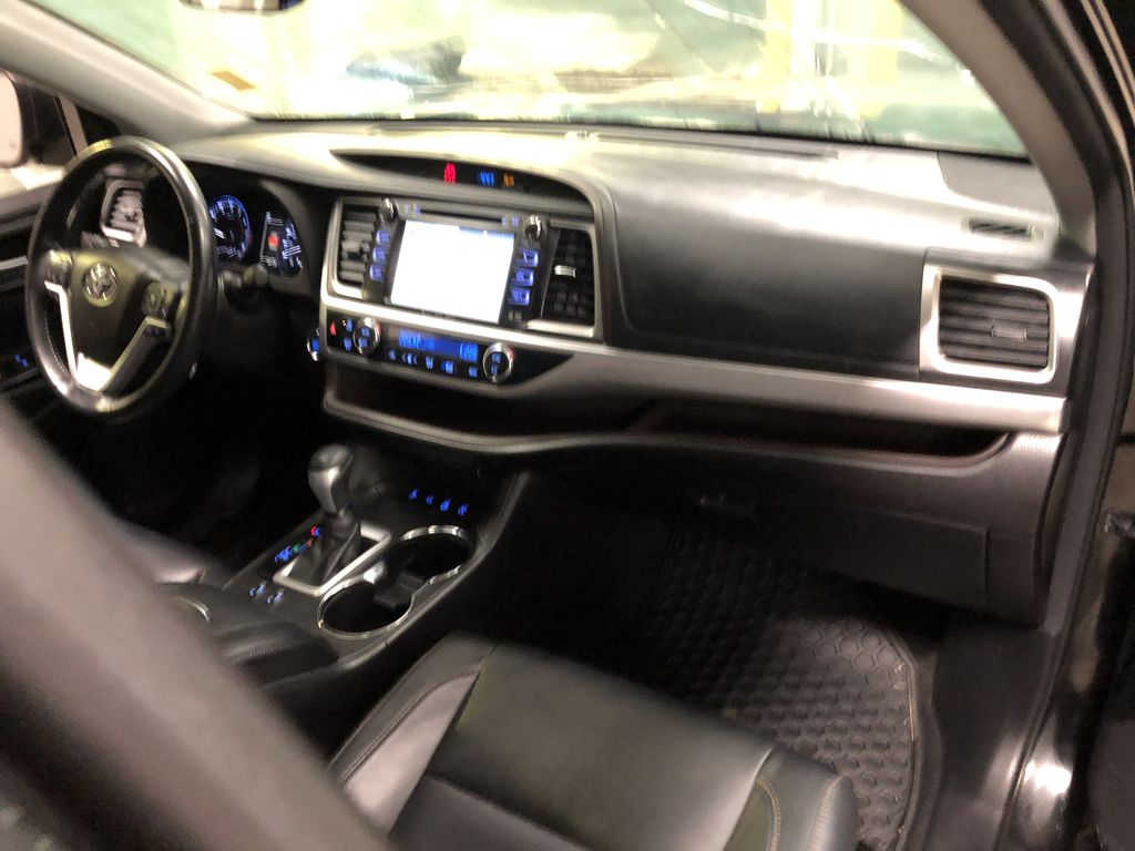 Black 2018 Toyota Highlander XLE | Extended Warranty Included Left Front Seat Photo in Edmonton AB